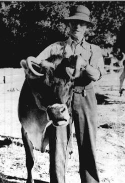 Albert & Topsy Jan 1959.JPG