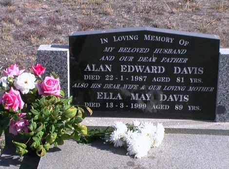 Davis Alan Ella headstone VT.JPG