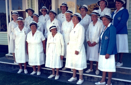 Ella Davis (front centre) Violet Town Bowls Club.JPG